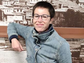 muller feminista afincada en Redondela, artista e cun futuro prometedor no mundo da Arte.